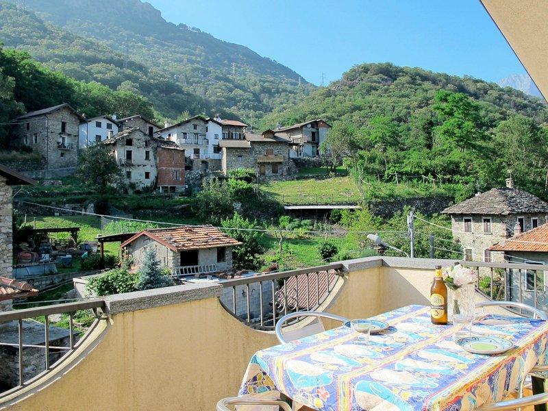 Nives (SRC310), vacation rental in Dascio