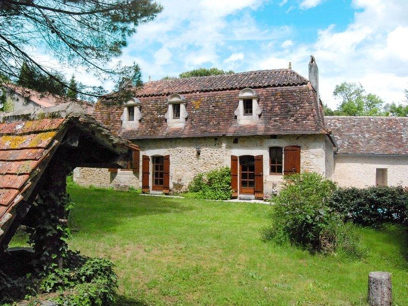 La Borie (SJE100), holiday rental in Douzillac