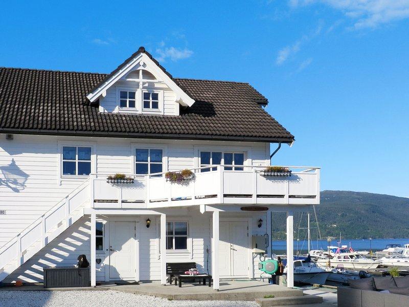 Bakkakaien (FJH440), holiday rental in Eikelandsosen