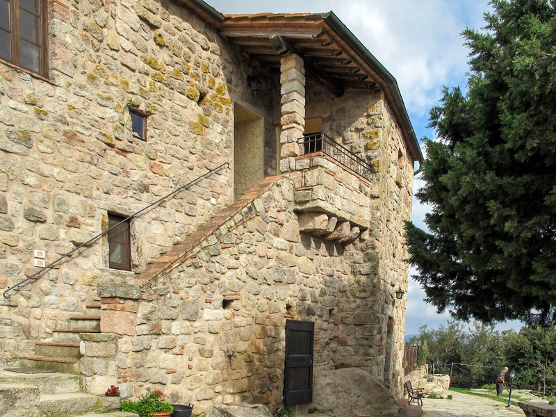 Castello di Civitella (ROC200), holiday rental in Roccastrada