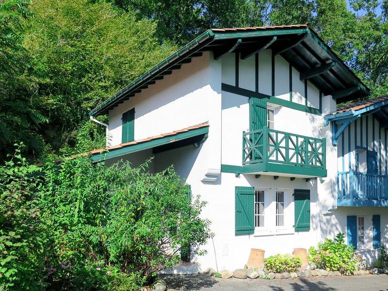 Collines Iduki (BCL 102), holiday rental in Hasparren