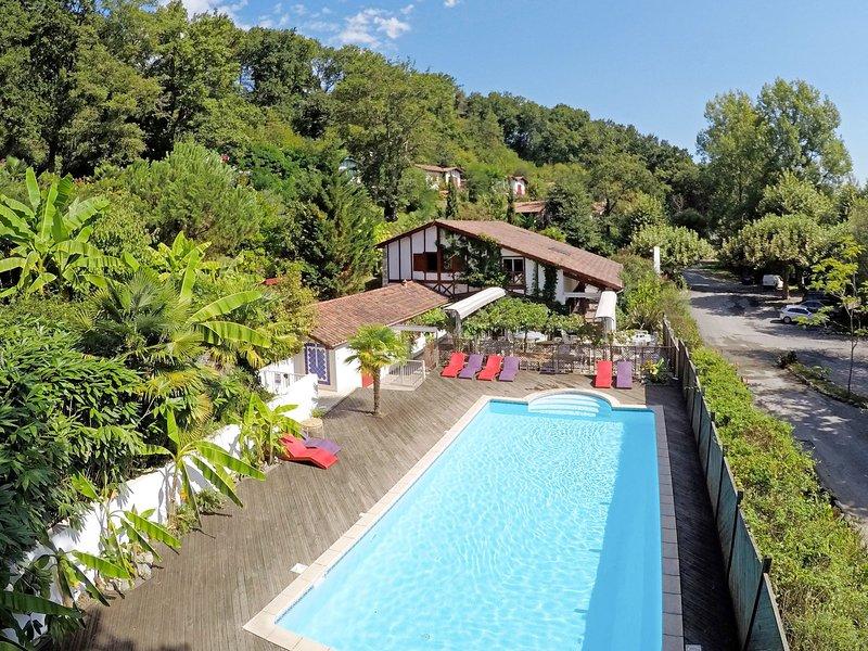 Collines Iduki (BCL 101), casa vacanza a Saint-Esteben