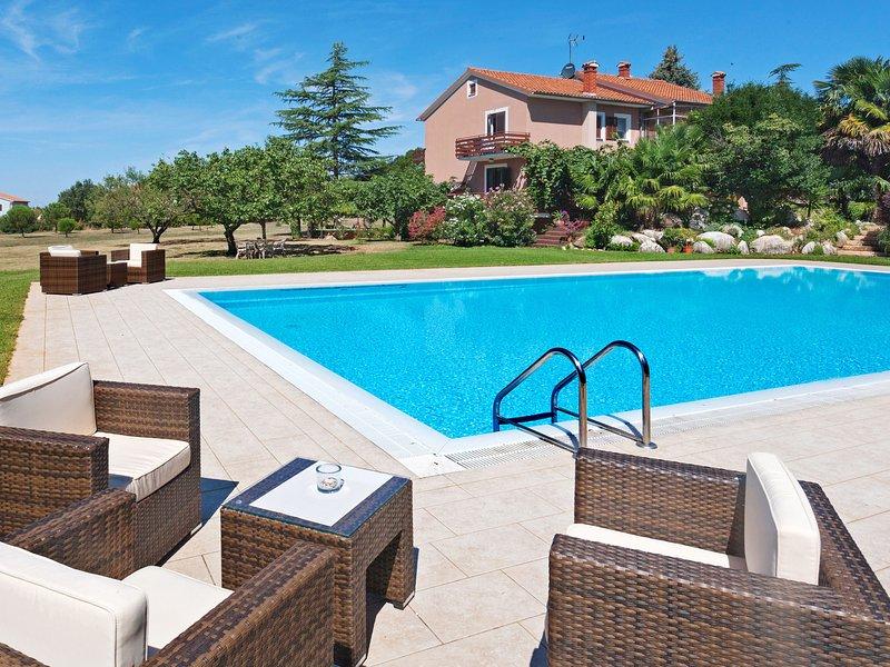 Mirta (KST148), holiday rental in Kastelir