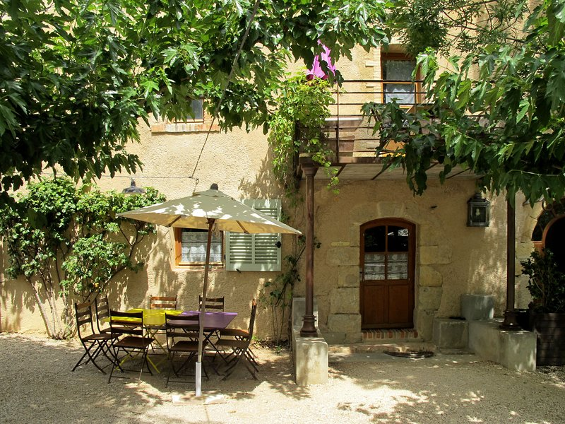Terres Ste Hilaire - Ciste (OLL102), holiday rental in Rians