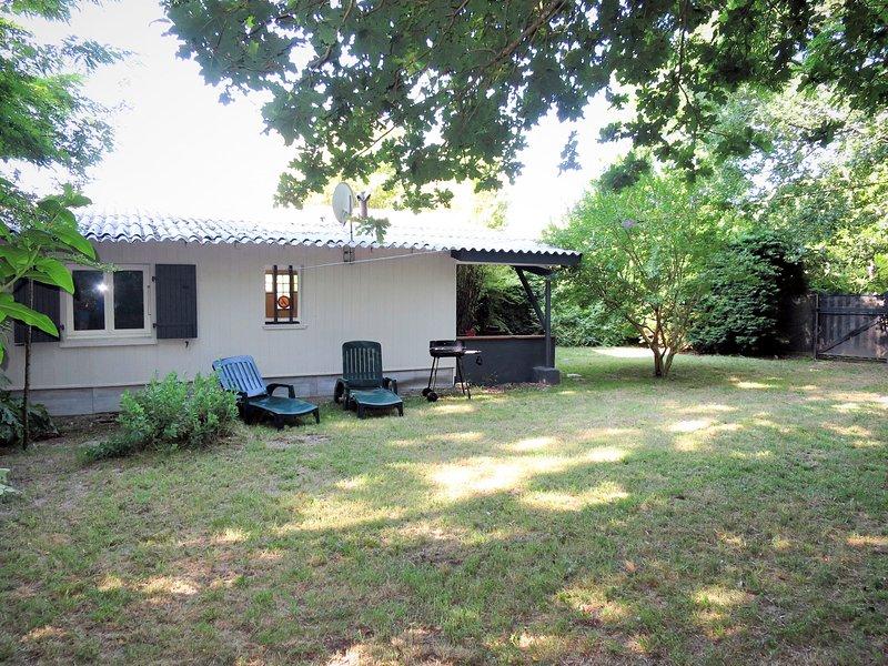 Les Sables (QUE100), holiday rental in Prignac-En-Medoc