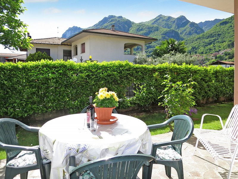 Caterina (PLZ115), holiday rental in Villa Guardia