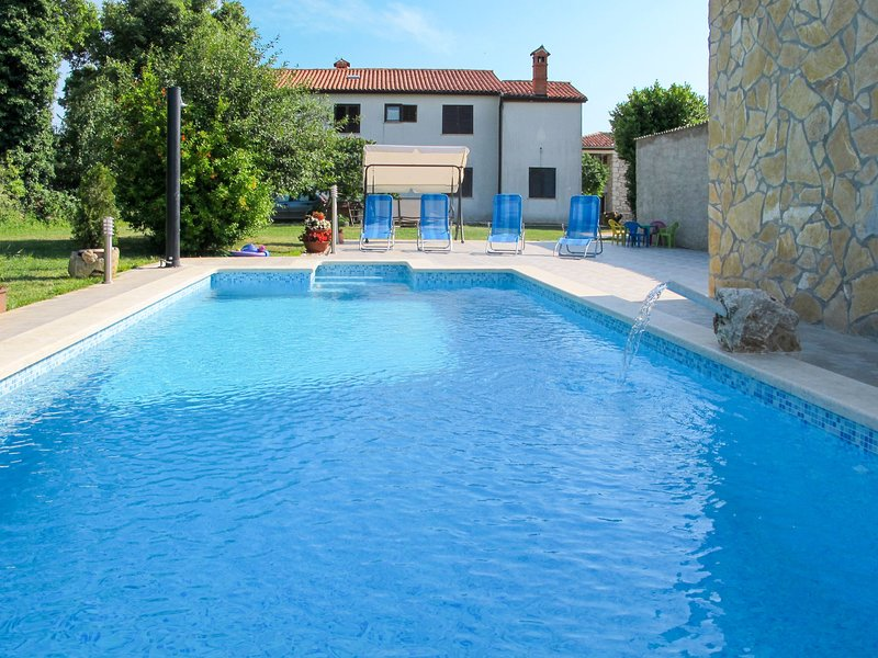 Pinezici (RCA150), casa vacanza a Marcana