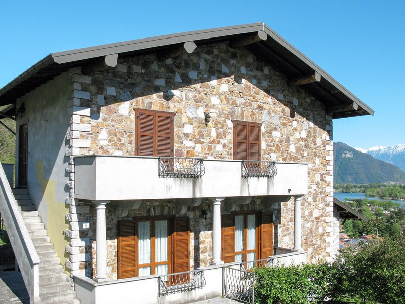 Marco (GLA120), vacation rental in Gera Lario