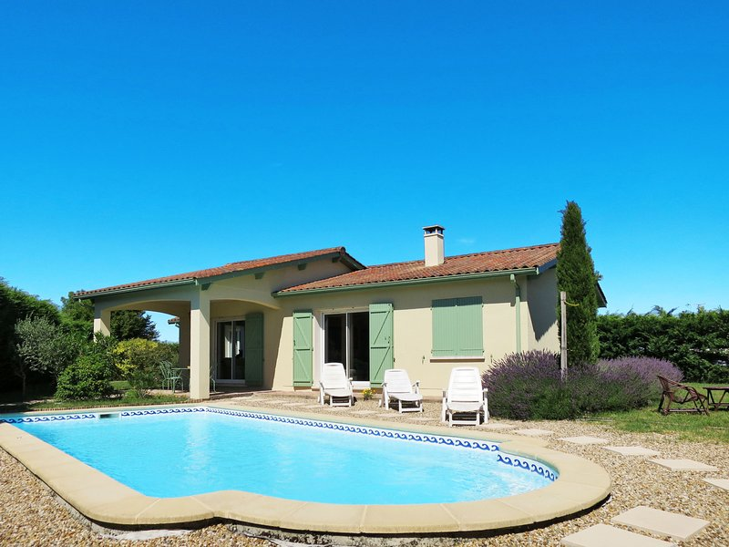 Les Lavandiers (ORD100), holiday rental in Prignac-En-Medoc