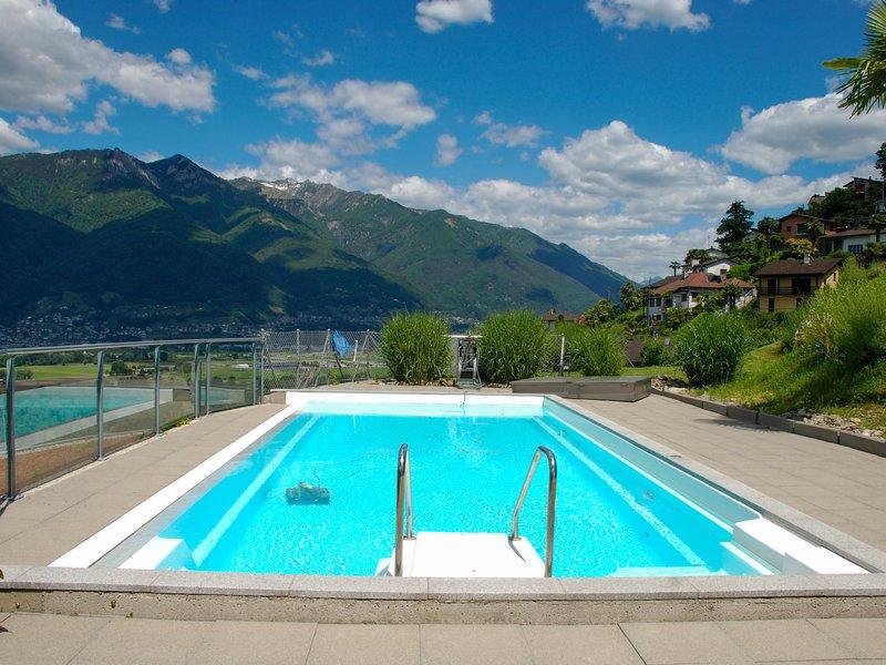 Vista Lago Maggiore 1.floor left, holiday rental in Cugnasco