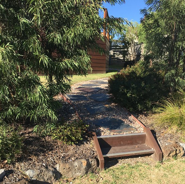 The Cosy Bungalow, holiday rental in Werribee