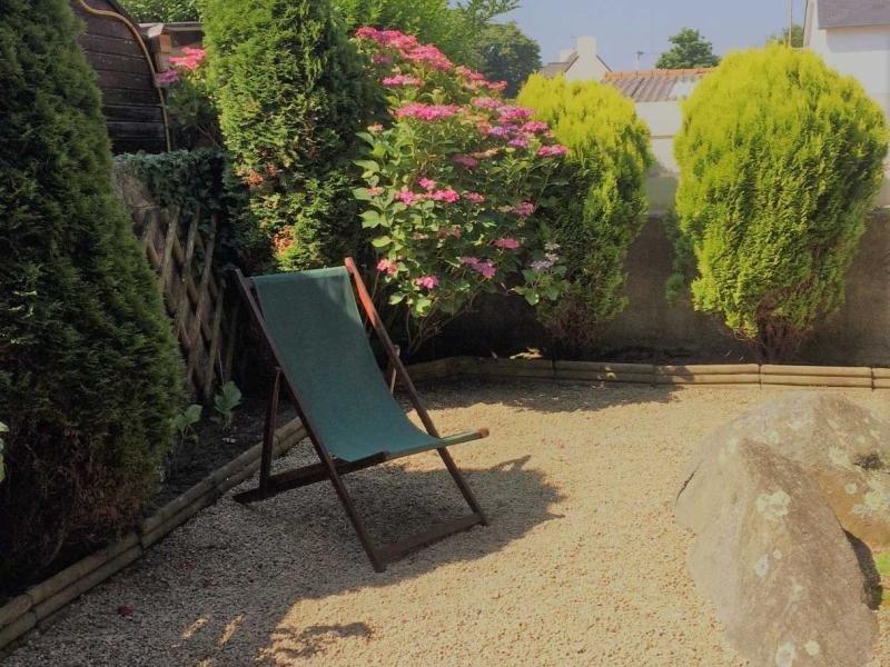 Petite maison duplex Wifi jardin et parking privé sur la Baie Sainte-Anne, vakantiewoning in Tregastel-Plage