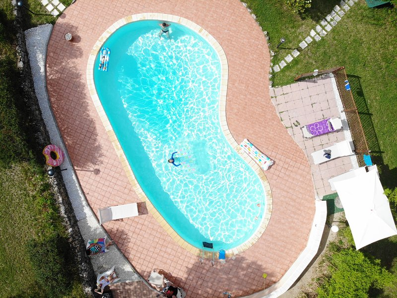 Chalet Con piscina-Bed & Breakfast Guarcino, holiday rental in Anagni