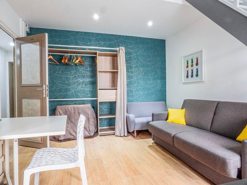 Amazing apartment with garden, aluguéis de temporada em Malakoff