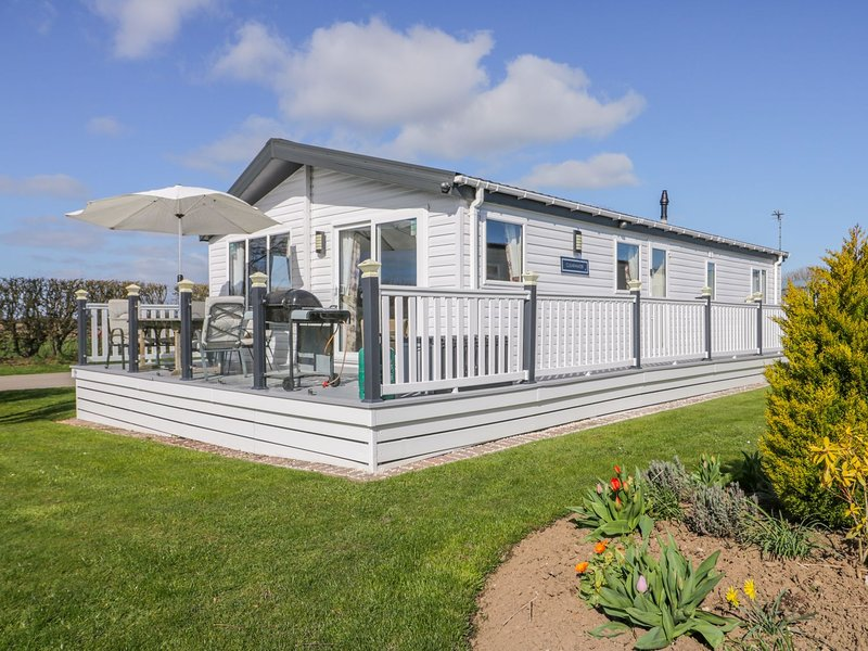 Superb detached lodge located on Skipsea Sands, holiday rental in Barmston