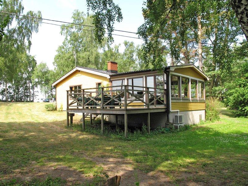 Kjuge Gula Huset (SKO039), location de vacances à Sölvesborg