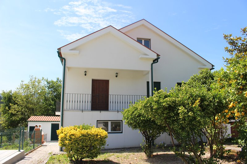 4 Bedroom villa with private pool, holiday rental in Sa