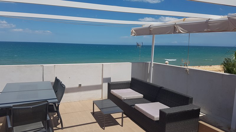 Beautiful 2 BR Sea View and Terrace Apartment, holiday rental in Miramar