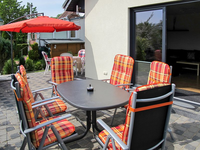 Nice home in Godern with 4 Bedrooms, holiday rental in Pinnow