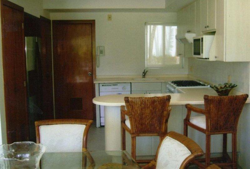 Mayan Villa Xcaret acceso playa y alberca privada, holiday rental in El Marques