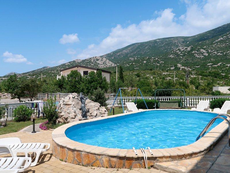 Golic (KBG301), holiday rental in Velika Plana