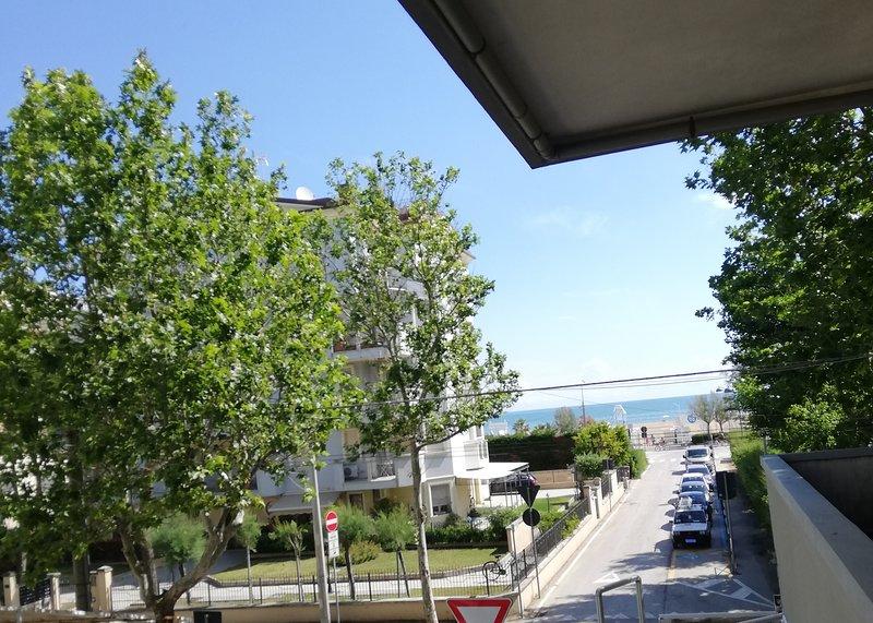 Appartamento Scilla Bilo - Sulla spiaggia di Rimini, holiday rental in Rivazzurra
