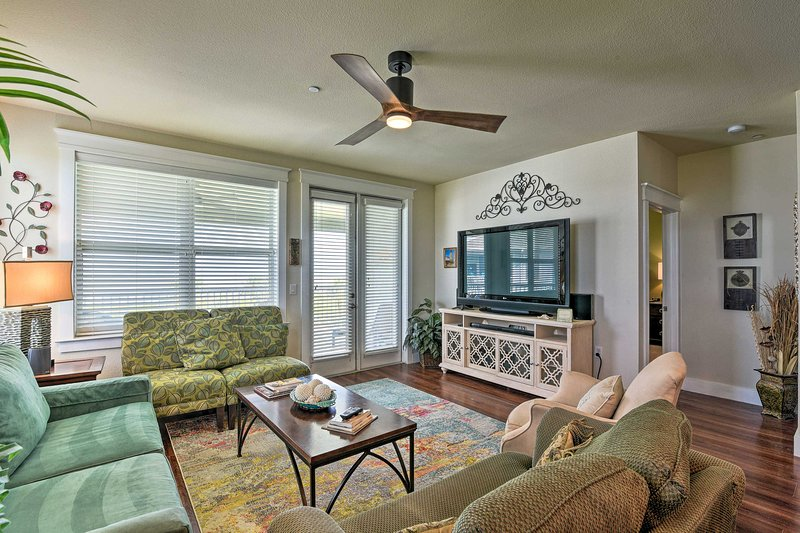 Galveston Condo w/ Pool Access & Ocean Views!, holiday rental in Galveston Island