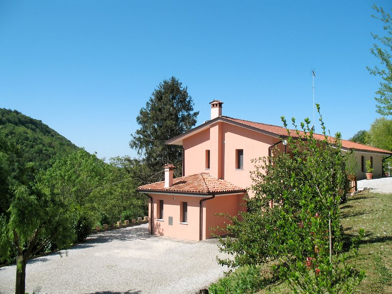 Casa dei Fiori (CPP400), vacation rental in Stregna