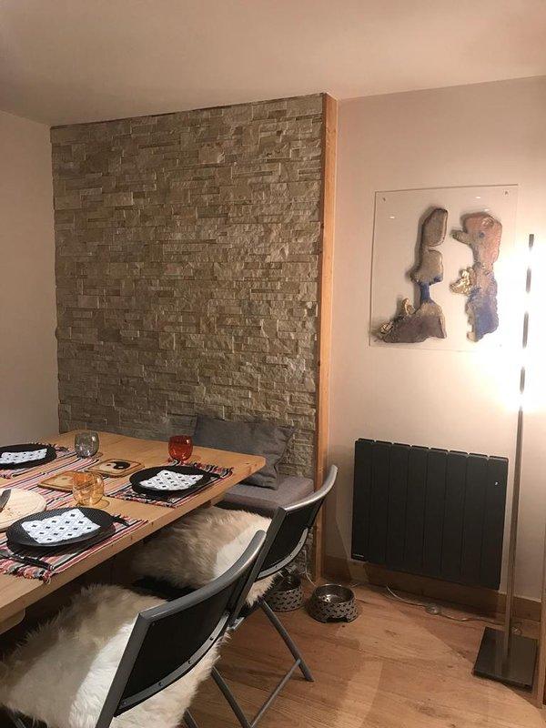 Triplex dans chalet de trois appartements refait à neuf 2019, location de vacances à Megève