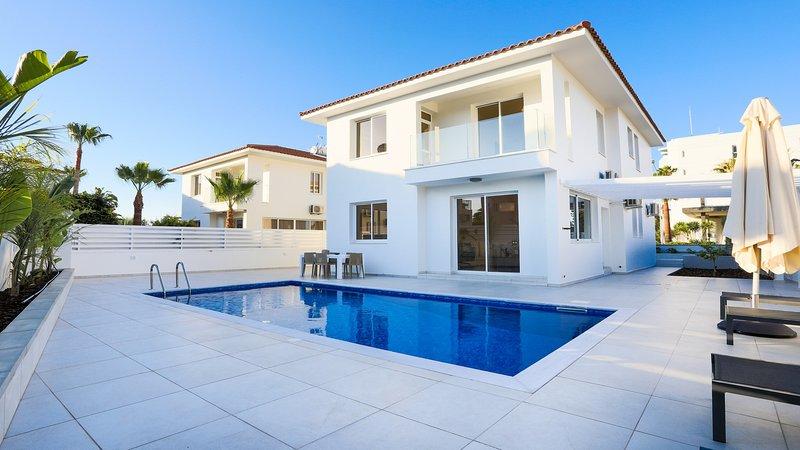 Darcy Villa, Ferienwohnung in Pernera