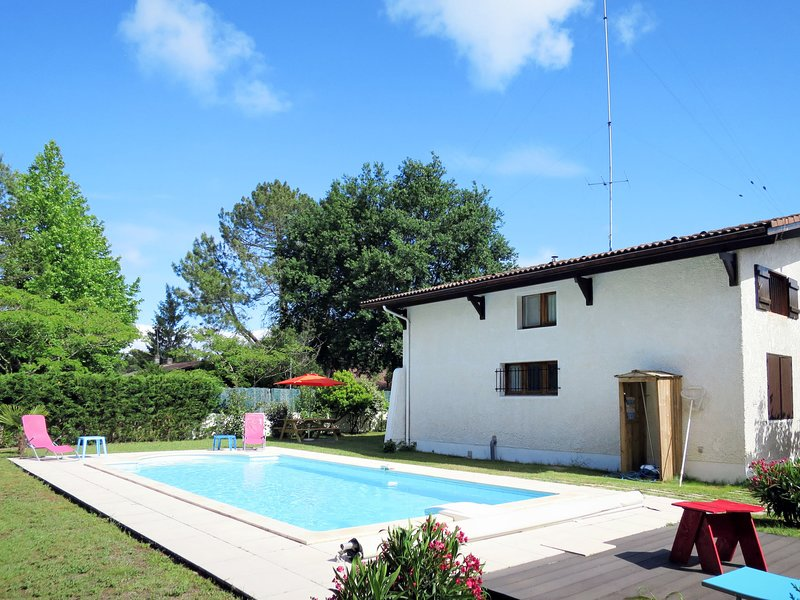 Les Lauriers (ADS160), holiday rental in Taussat