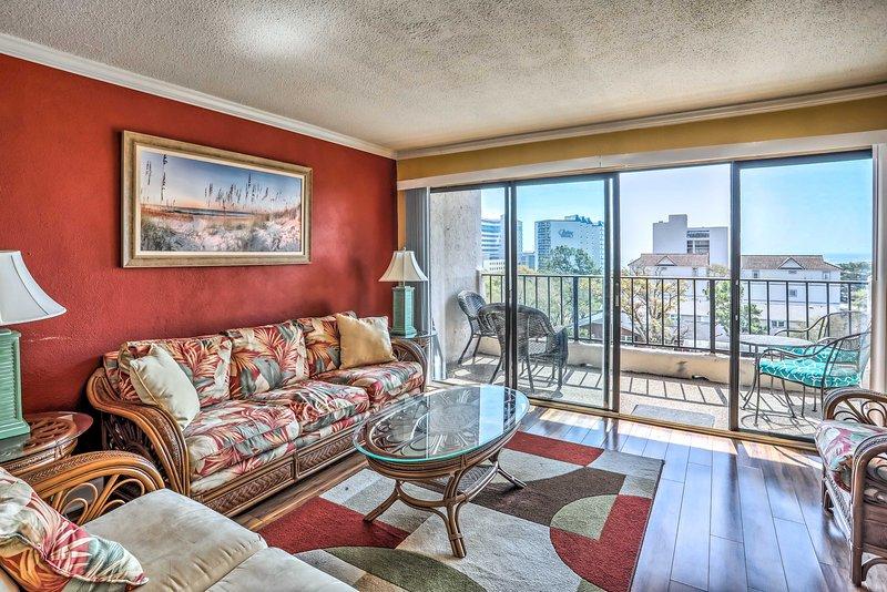 NEW! Myrtle Beach Condo, 1 Block to Ocean Shore!, holiday rental in Arcadian Shores
