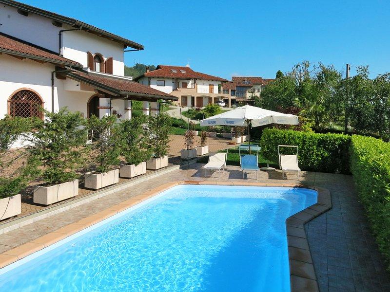 Collina San Ponzio (BOO100), vacation rental in Verduno