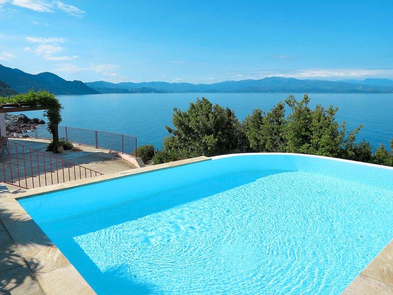 Balbi (CPC150), holiday rental in Ogliastro