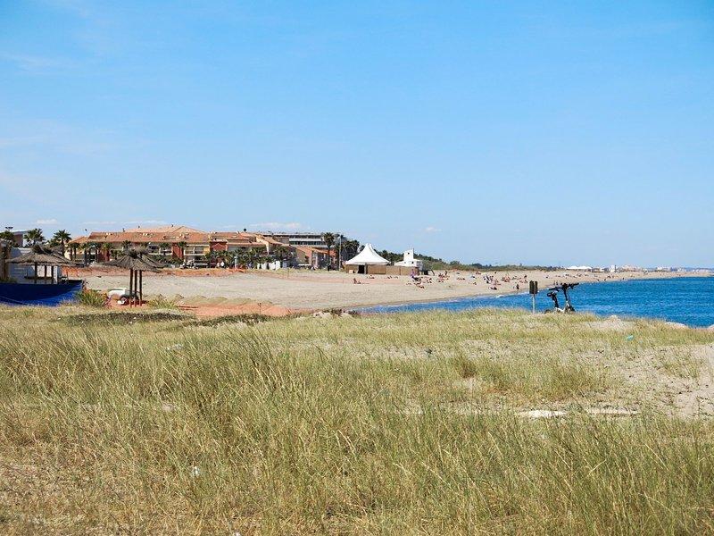 Cosy Coast (SMZ100), holiday rental in Sainte-Marie-Plage