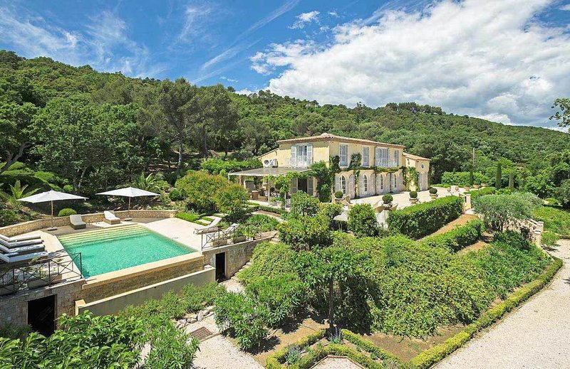 THE VILLA L'Ange d'Or. THE HOME ESCAPE. Saturday to Sat. Luxury. Pool. Garden, holiday rental in Gassin
