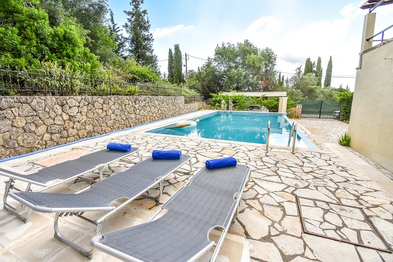 Villa Tatiana with Private Pool, holiday rental in Temploni