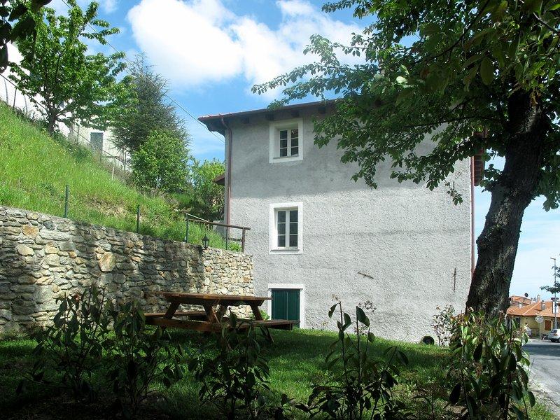 Vittoria e Milietto (FLG325), location de vacances à Millesimo