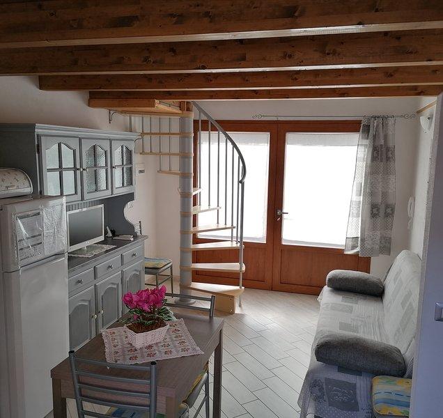 Gabry's house in Torregrande -piano terra-, vacation rental in Torre Grande
