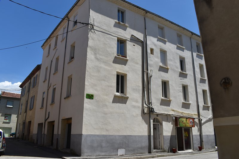 Grand appartement au coeur des Cevennes, holiday rental in Courry
