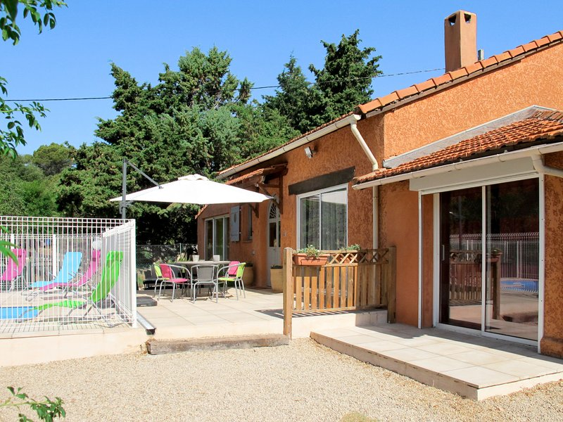 Villa Petra (AMS110), aluguéis de temporada em Ampus