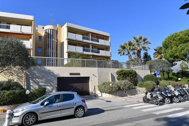Studio entre Monaco et Menton, a Roquebrune Cap Martin, vacation rental in Roquebrune-Cap-Martin