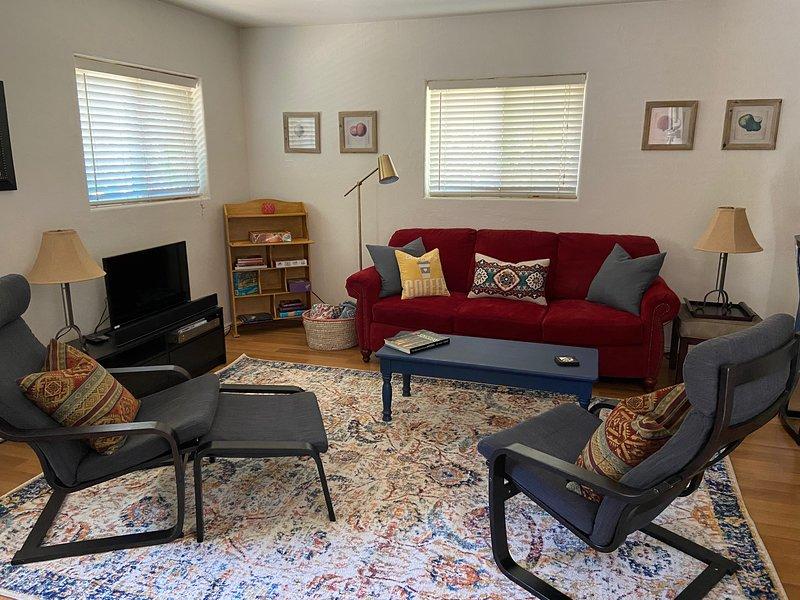 Birch Cottage in Flagstaff, Monthly Furnished Rental, holiday rental in Kachina Village