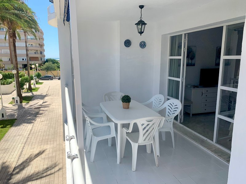 Spacious apartment Recently renovated front Sohail´s Castle, vacation rental in Fuengirola