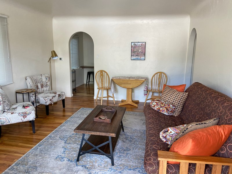 Downtown Monthly Furnished 1BR/1BA, holiday rental in Flagstaff