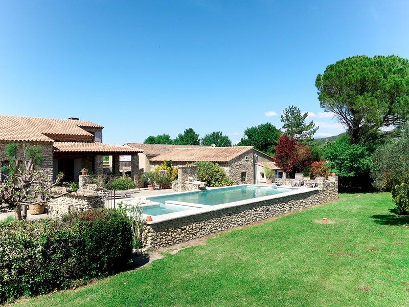 Le Platane (VLE101), holiday rental in Velleron
