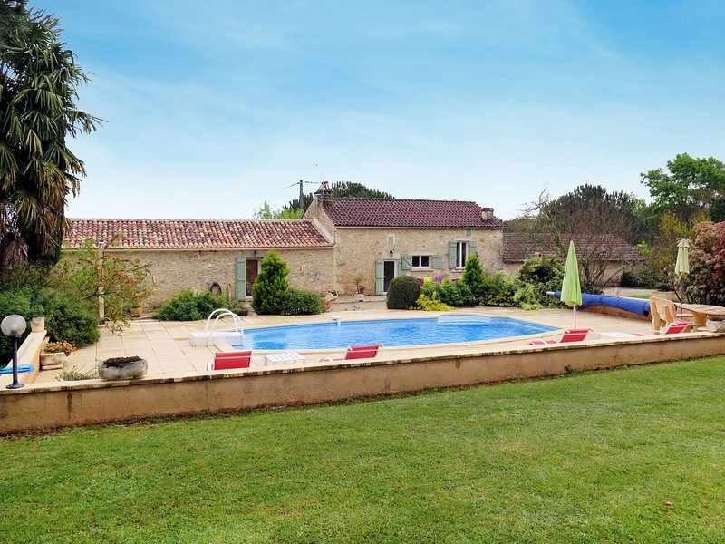 Le Cayroux (BSB300), holiday rental in Lacapelle-Biron