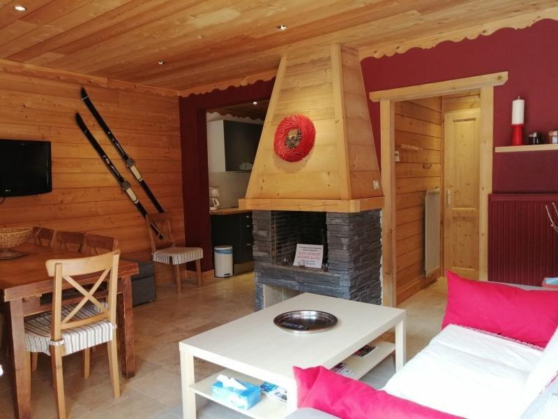 Haut de maison entièrement rénové, 30m des pistes, parking privé, à Pra Loup, holiday rental in Meolans Revel
