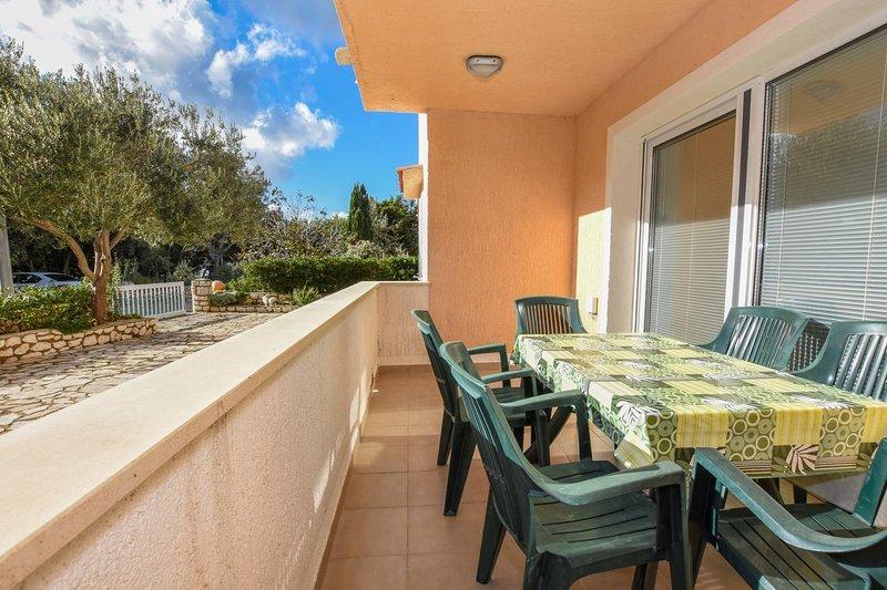 Mandre Apartment Sleeps 6 with Air Con - 5841004, alquiler de vacaciones en Mandre