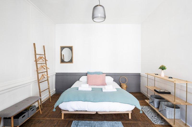 Le Petit B - Appartement rénové plein centre Rennes, holiday rental in Betton